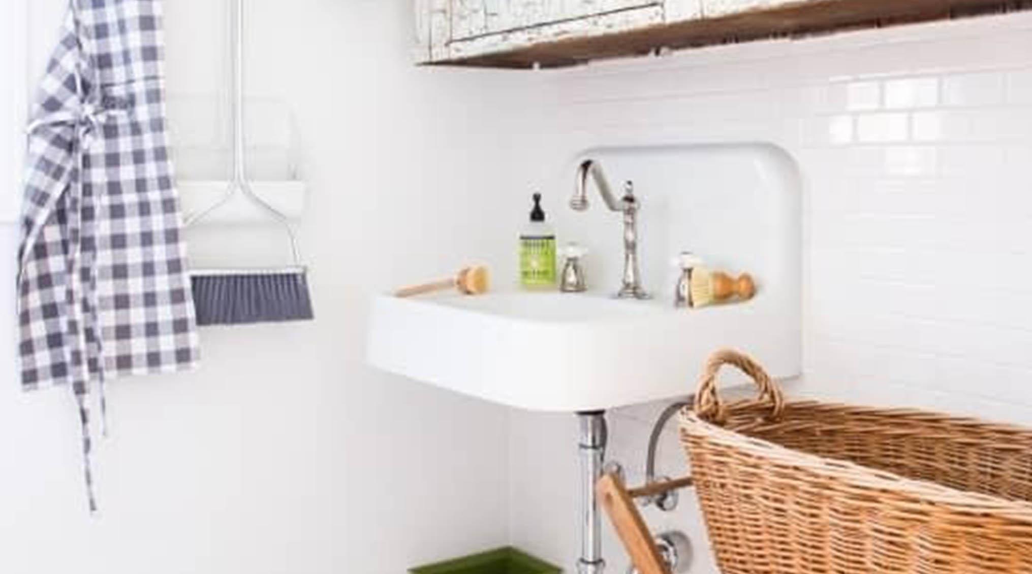 شستشوی حمام و سرویس بهداشتی