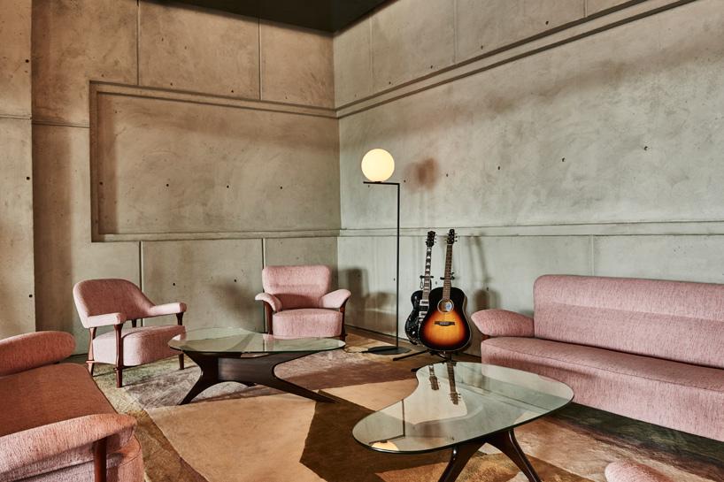 محیطی به گرمی هتل در ساختمان کاری SPRING PLACE