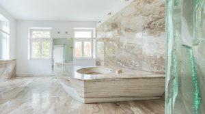 حمام مرمری: انواع سنگ مرمر، ایده های دکور و چیدمان