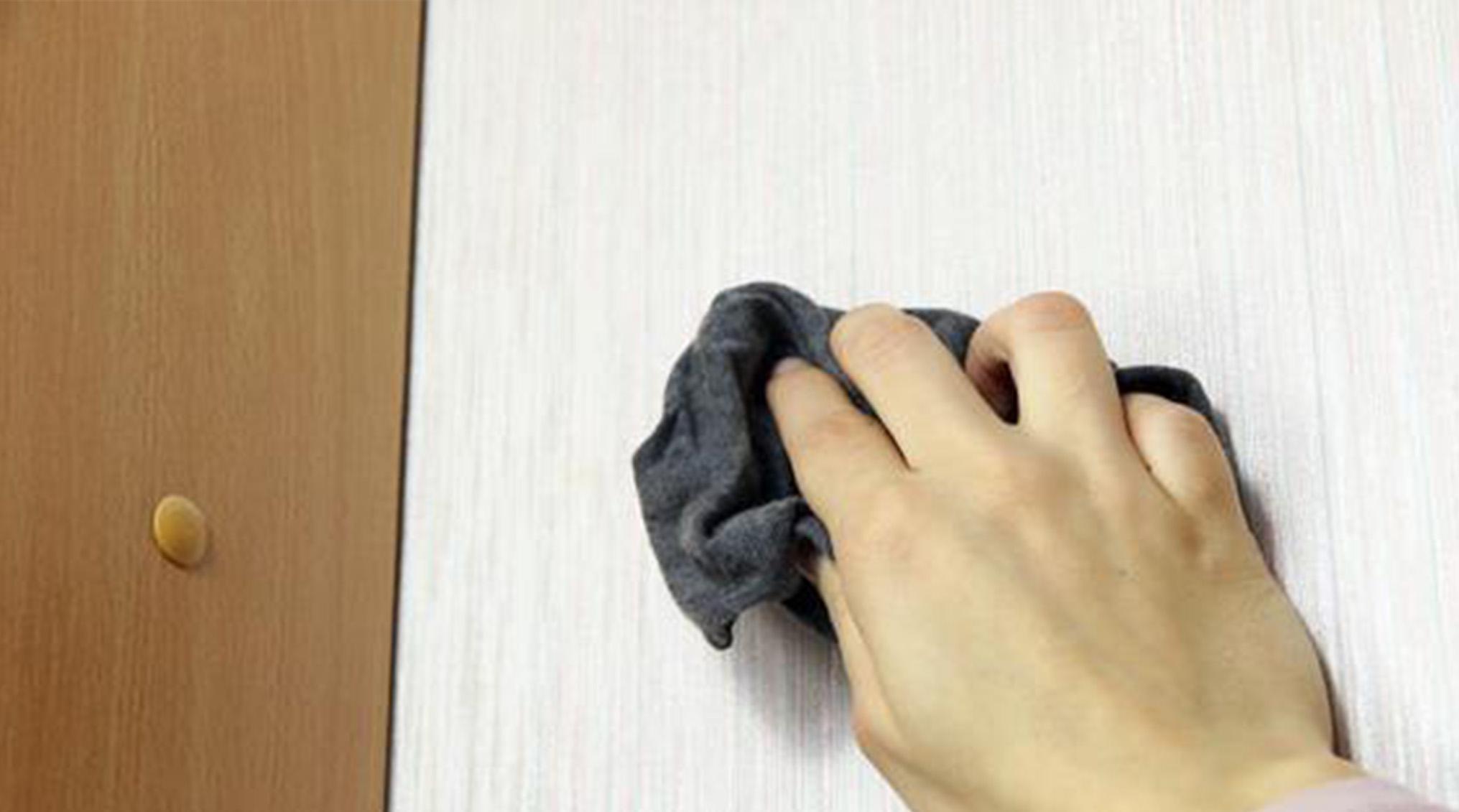بهترین راه ها برای تمیز کردن کاغذ دیواری منزل!