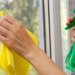 پاک کردن جای چسب از روی شیشه