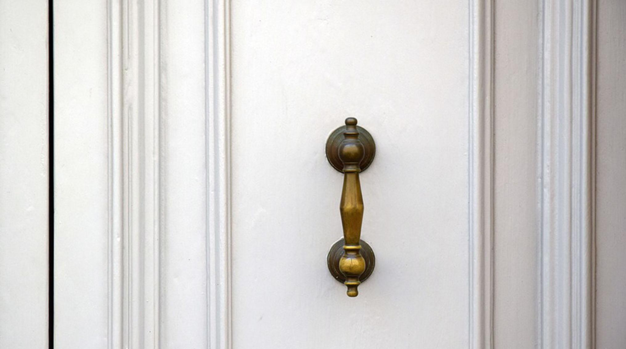 بازسازی منزل؛ انواع درب های آکاردئونی