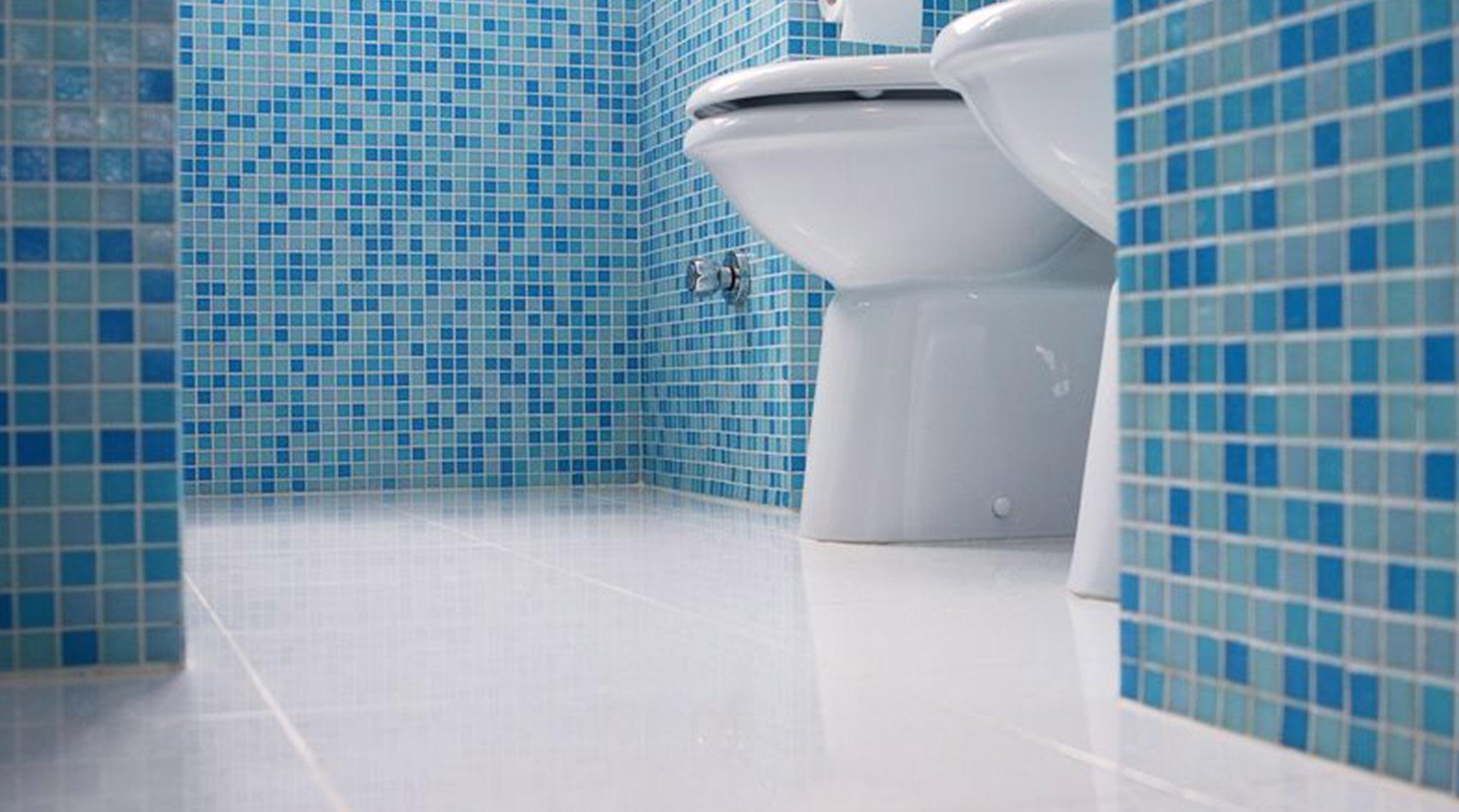 بهترین روش تمیز کردن کاشی حمام به صورت سطحی و عمقی