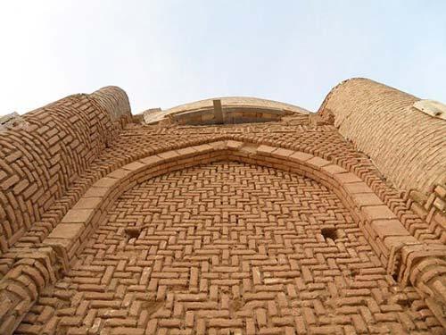 سادگی هندسه پیچیده ی معماری ایران
